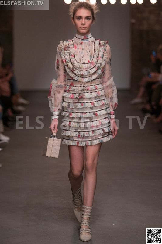 Zimmermann SS 2016 NYFW access to view full gallery. #zimmermann #nyfw15